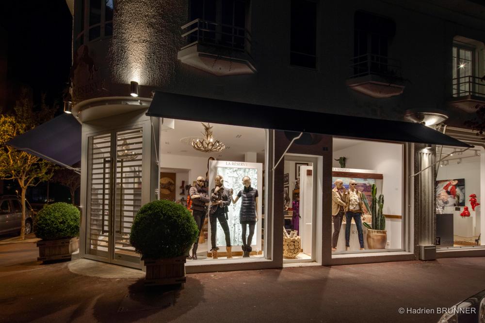 Photographe vitrine magasin loire atlantique ralph for Architecture commerciale definition