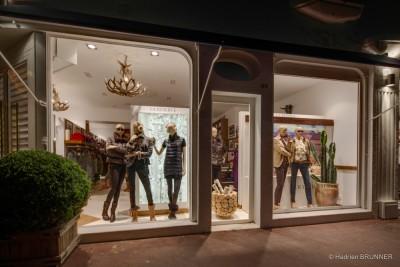 Photographe d'architecture commerciale pour vitrines de magasins et commerces à La Baule - reportage pour Ralph Lauren Europe.