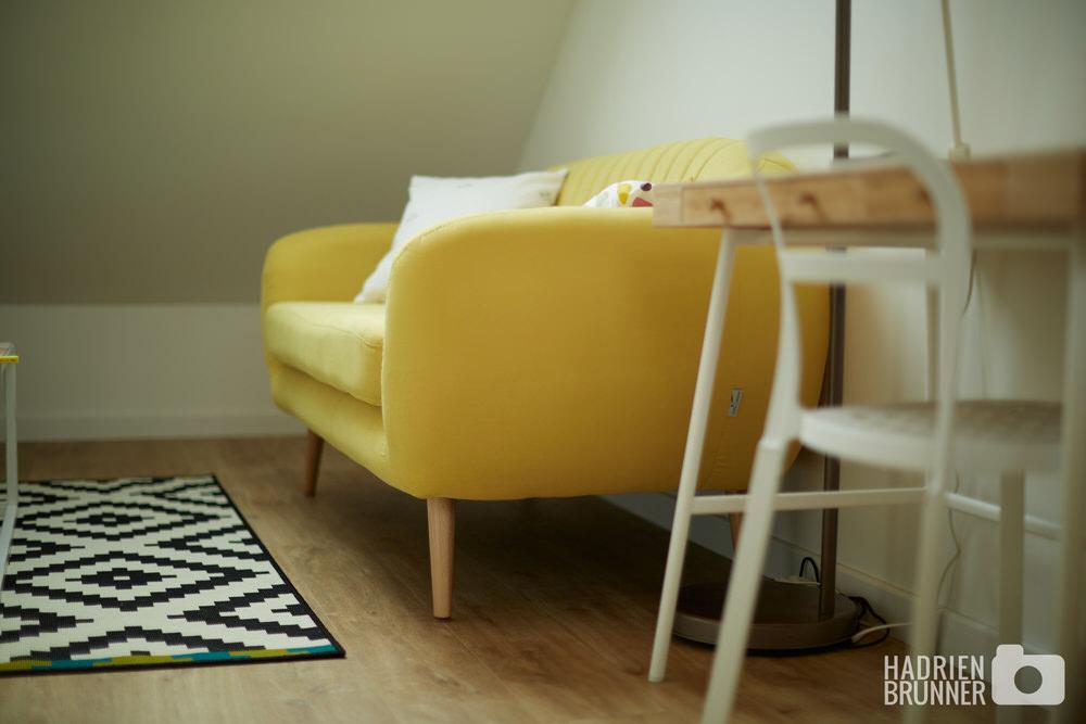 canapé-jaune-shooting-airbnb